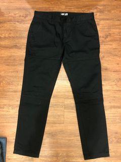 全新Caco黑色上寬下窄休閒褲L號偏小M號能穿