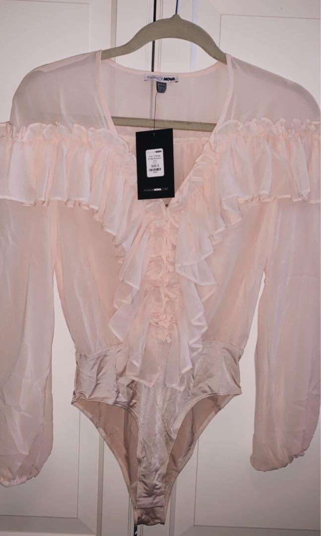 Fashionnova ruffle bodysuit in blush size S