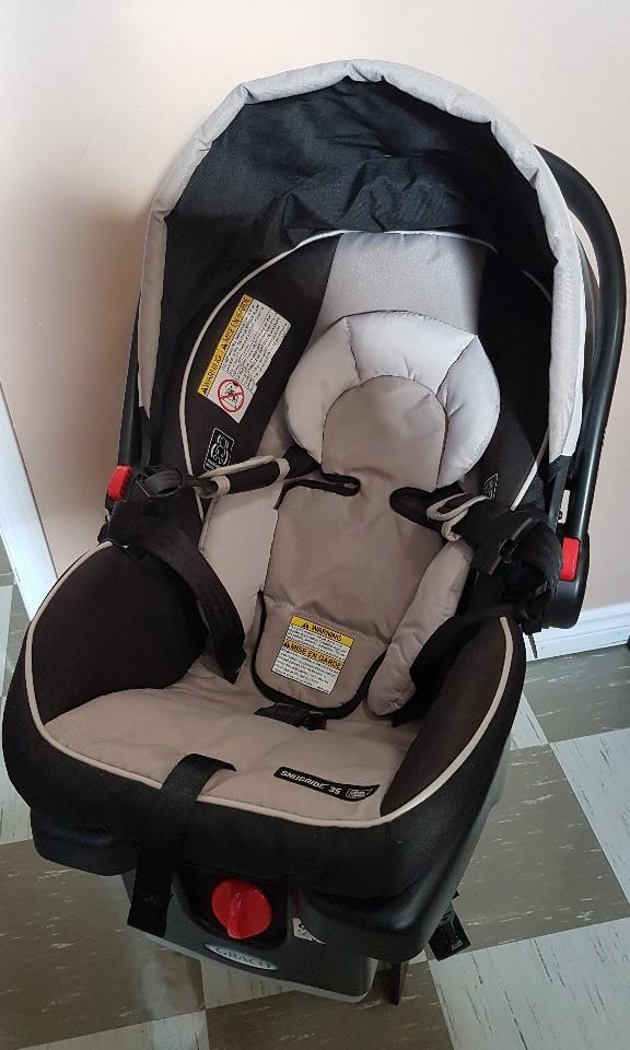 Graco SnugRide Click Connect 35 Infant Car Seat - Black/Beige