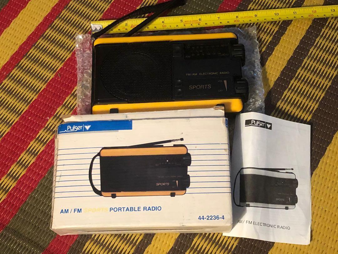 NEW vintage Pulser AM/FM portable sports radio