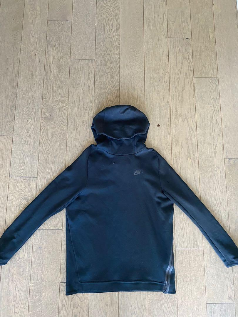 Nike tech fleece hoodie/sweater size large