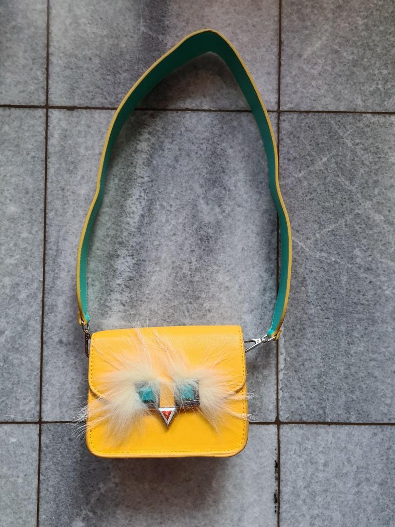 Nila Anthony Sling Bag