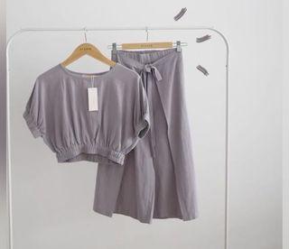 One set eclair , dark lilac colour