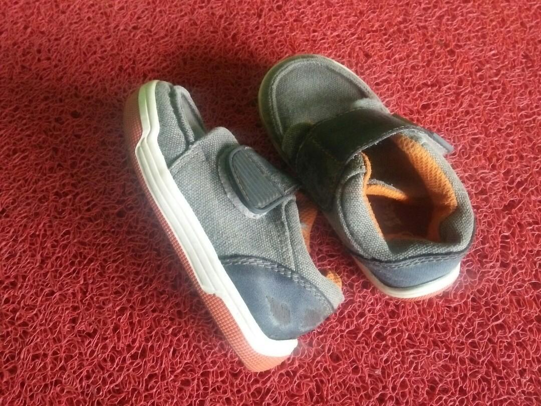 Sepatu little m,freeong
