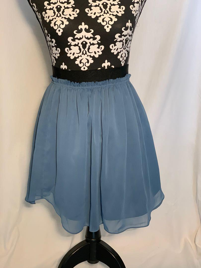 Talula (Aritzia) skirt - xs - like new