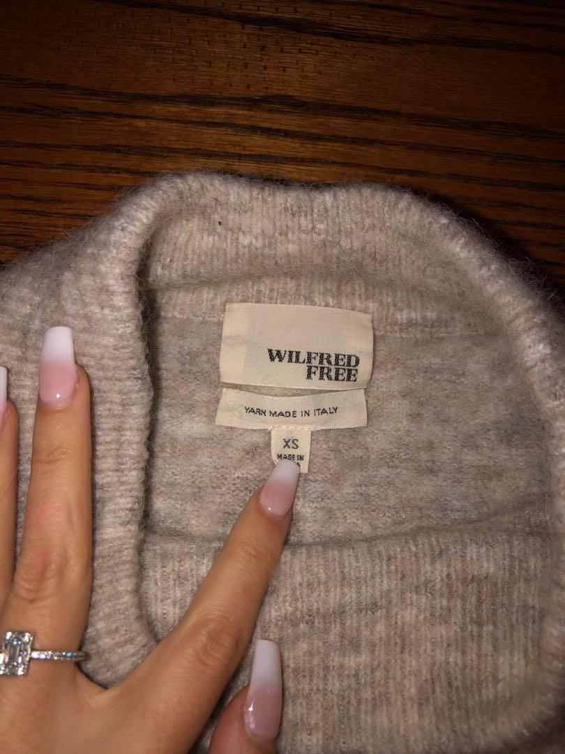 Wilfred (Aritzia) wool sweater size xs