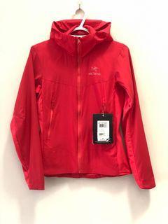 Arc'teryx Atom SL Jacket in RAD (Pink) Size XS