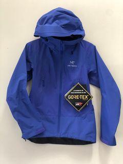Arc'teryx Beta SL Hybrid Jacket in size xs