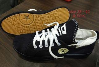 Sepatu converse merk Pinard