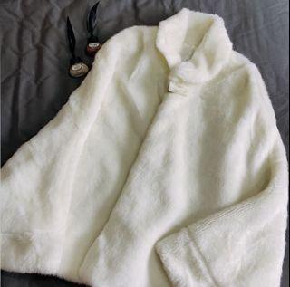 絨毛斗篷式外套