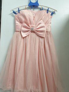 搬家 出清 粉色  蕾絲小禮服  主持。伴娘。喜宴