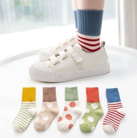 免運現貨全新 兒童大點點撞色中筒襪 買多優惠