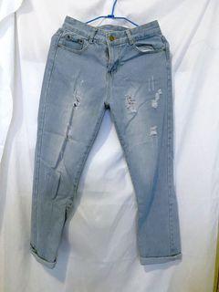 二手 牛仔裤 刷破牛仔裤 破洞 水洗牛仔褲