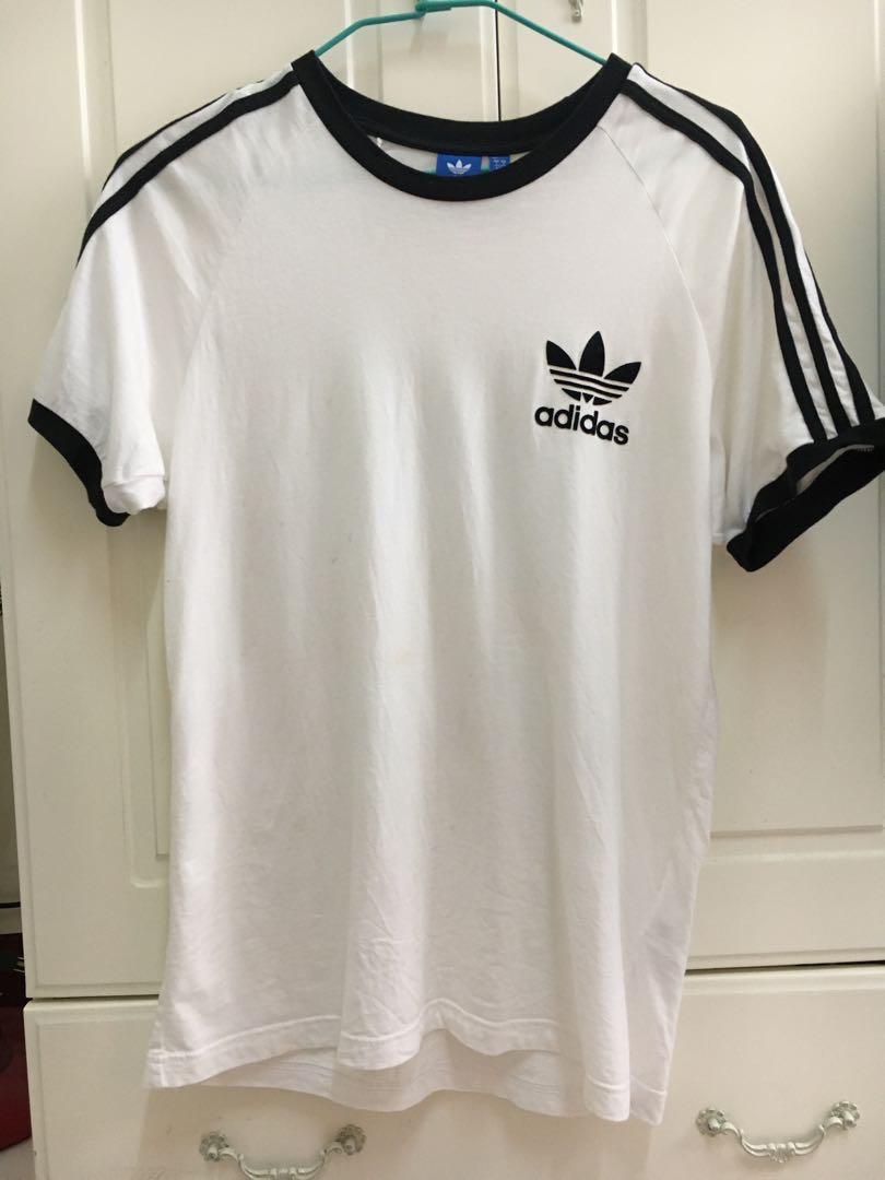 Adidas短袖上衣