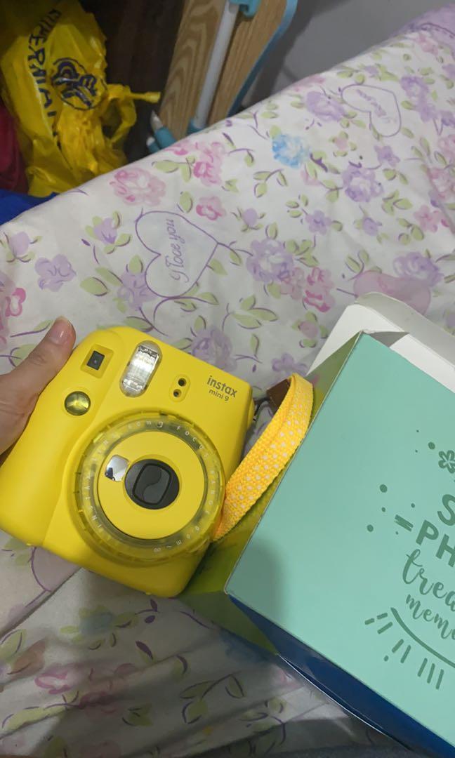 INTAX mini 9 camera