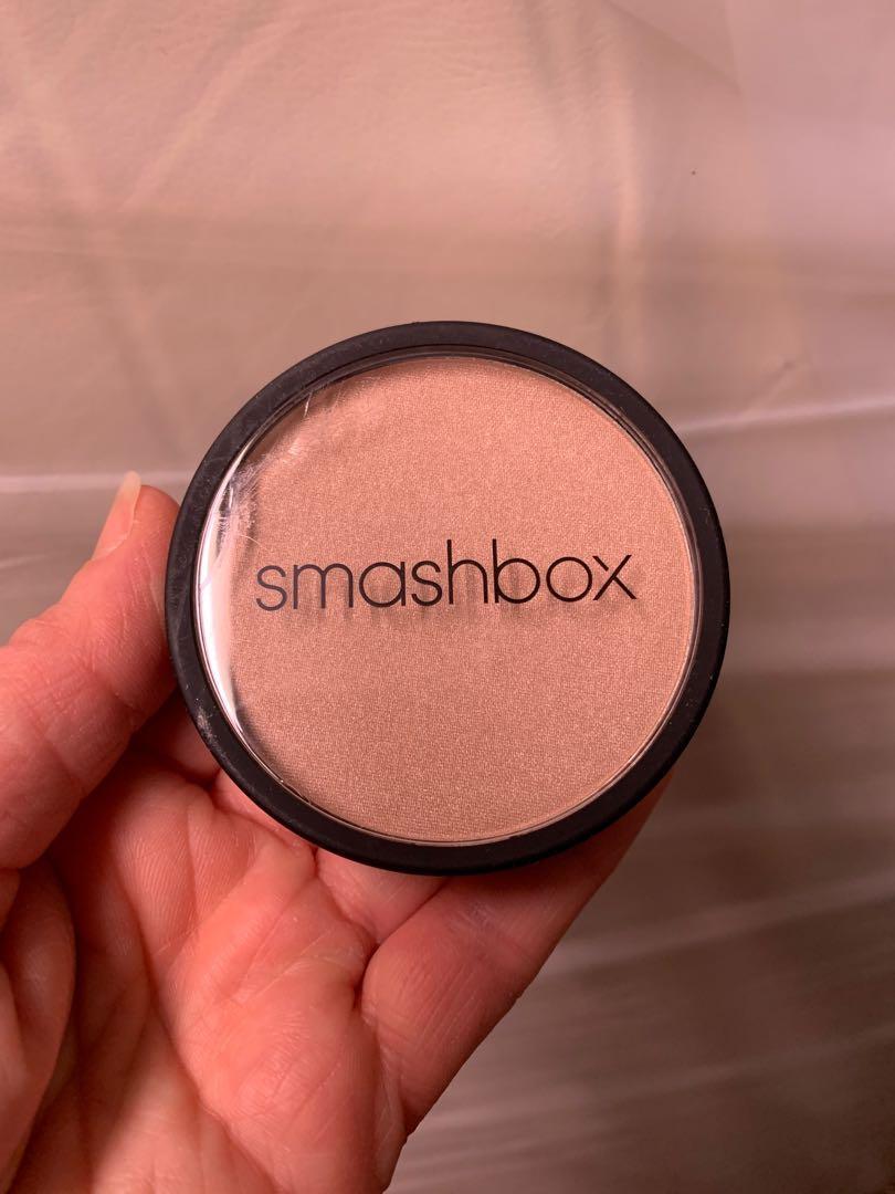 New. Smashbox shimmer highlighter