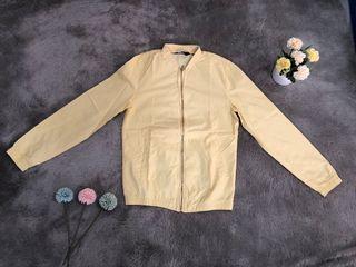 Pull&Bear Jacket Yellow / Jaket Kuning Pastel Soft
