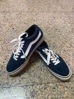 Vans休閒板鞋