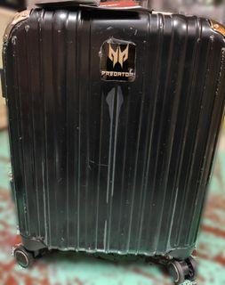 【勿下單限面交】全新acer硬殼密碼鎖行李箱