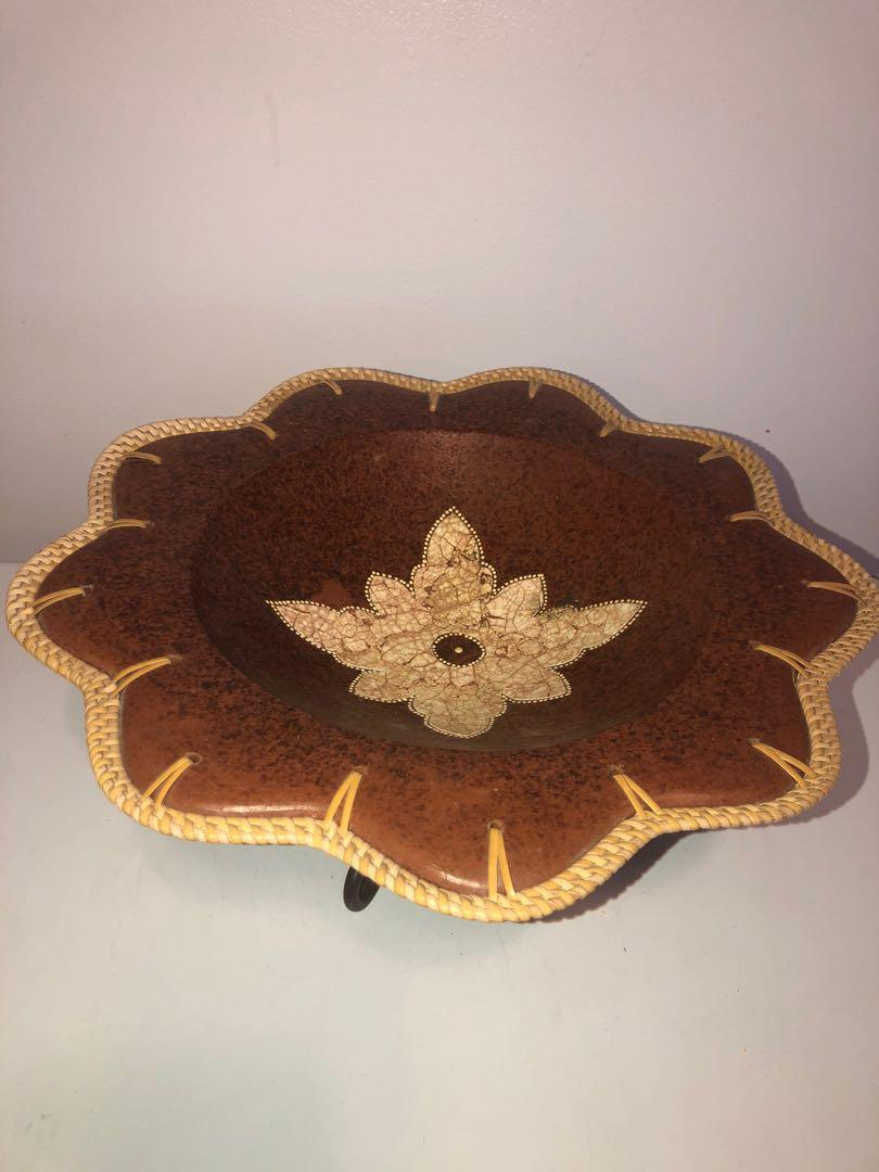 Earth-ware vintage pottery plate with metal stand