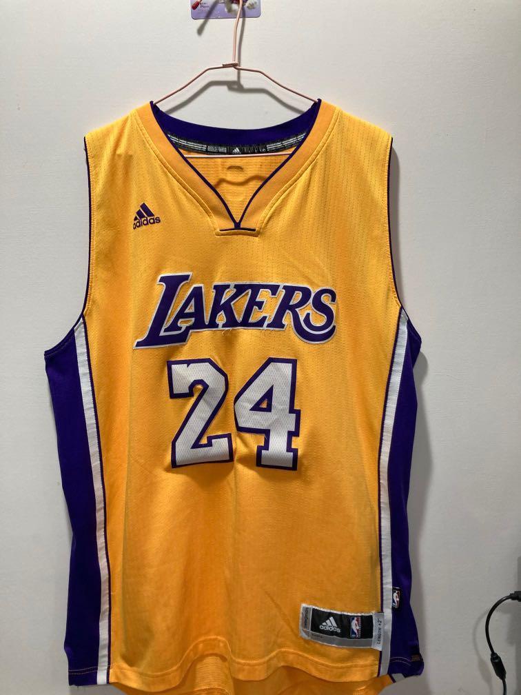 NBA Los Angels Lakers Kobe黑曼巴 紀念球衣 要買要快