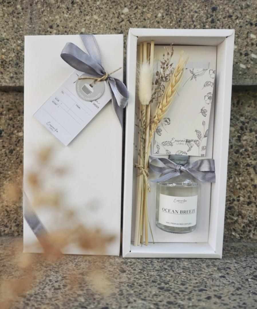 Reed diffuser gift box by euscentia living