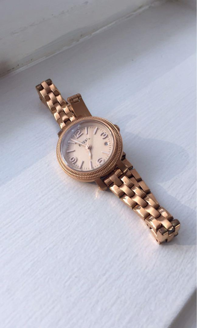 Rose gold Classic Fossil watch