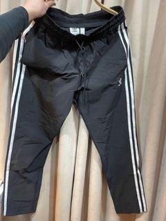 Adidas八分褲 涼感 流汗不粘 矮個子推~