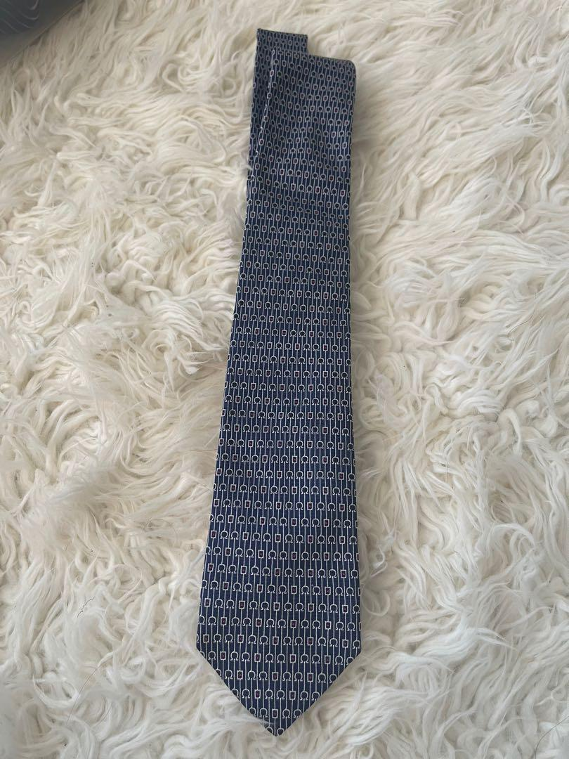 Brand name tie