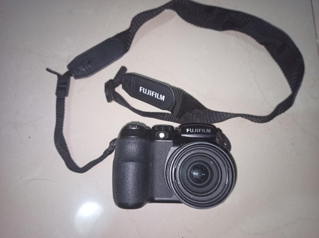 Fujifilm S1000