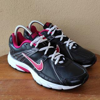 Nike Downshifter 3