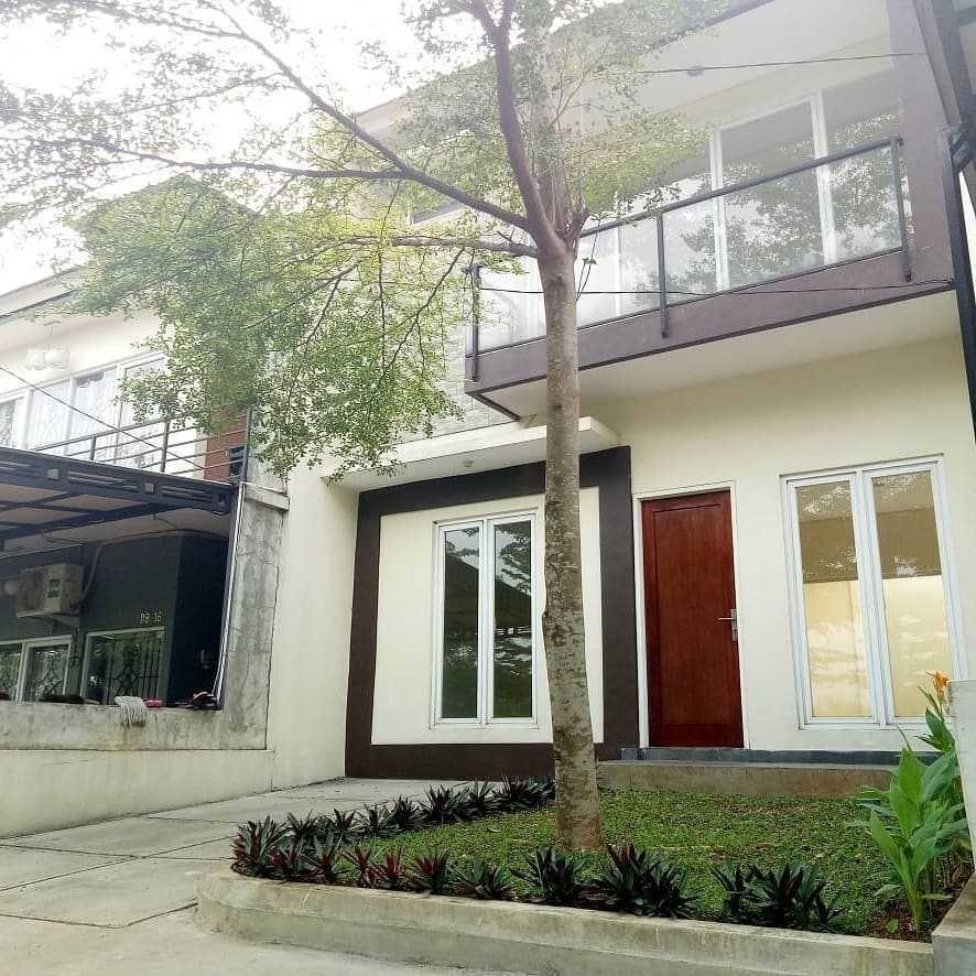 Rumah 2 lantai dekat tol cimanggis di Cikeas residence