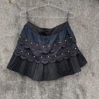 Sen 蕾絲 繡珠 百摺 短裙 腰圍彈性  褲裙