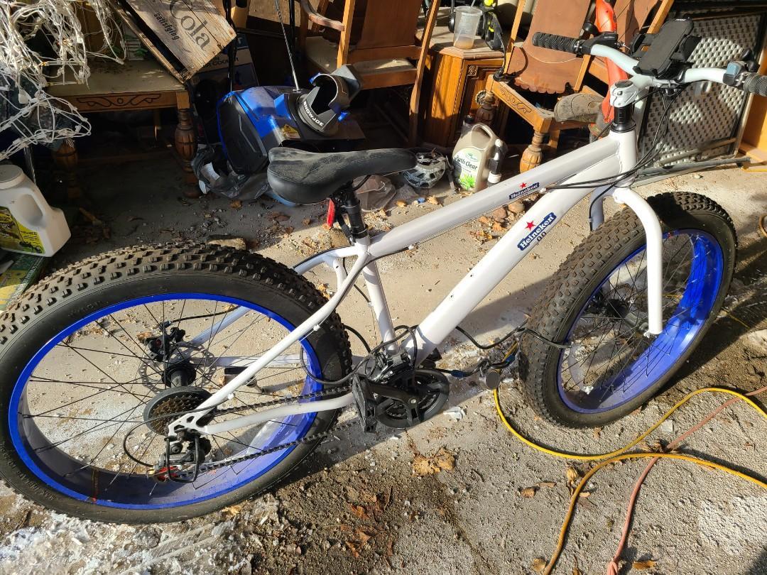 21 Speed Fat Tire Bike NEW/NEVER RIDDEN