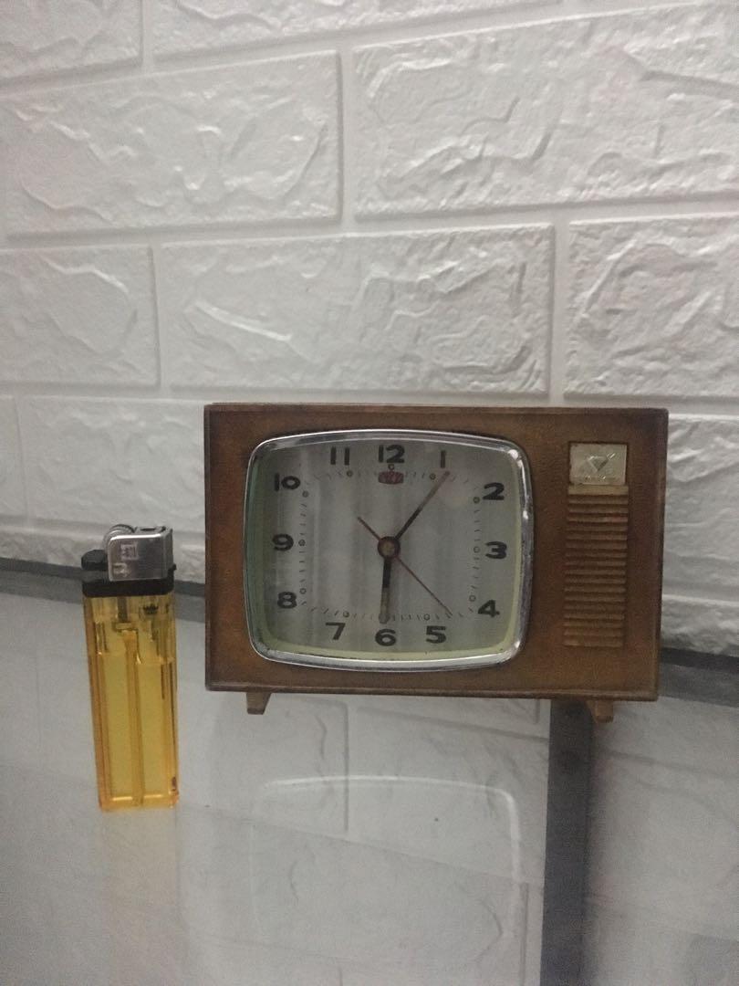 Jam Antik ( tdk perlu beli batre diputar saja )