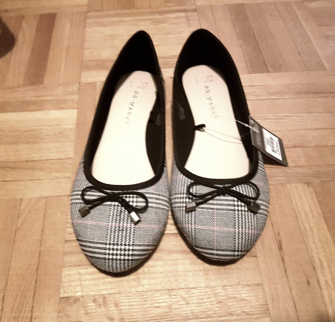 NEW Ladies black and white flats
