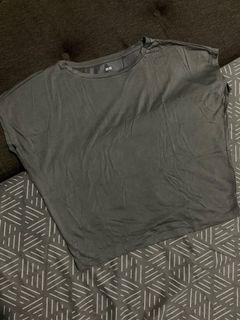Uniqlo Top Gray