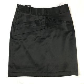 Black midi satin skirt/ rok hitam bahan tebal