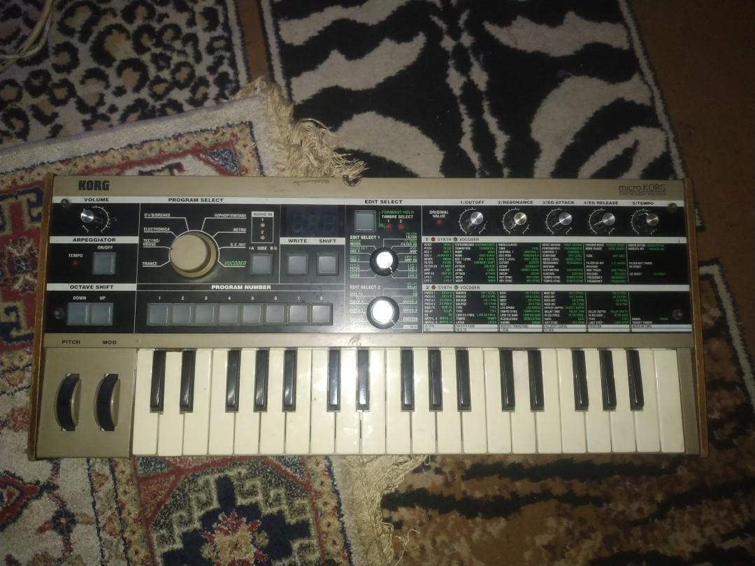 Korg synthesizer Mk1