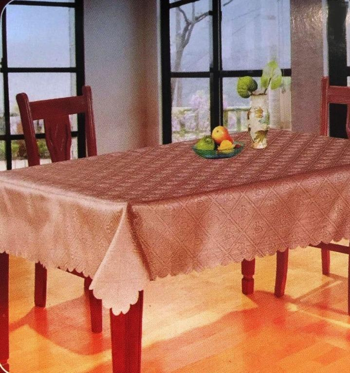 "Round Tablecloth (60"")"