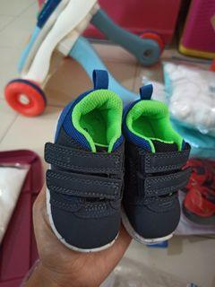 Sepatu bayi carter's shoes ori size 2  tipe relay3 prewalker