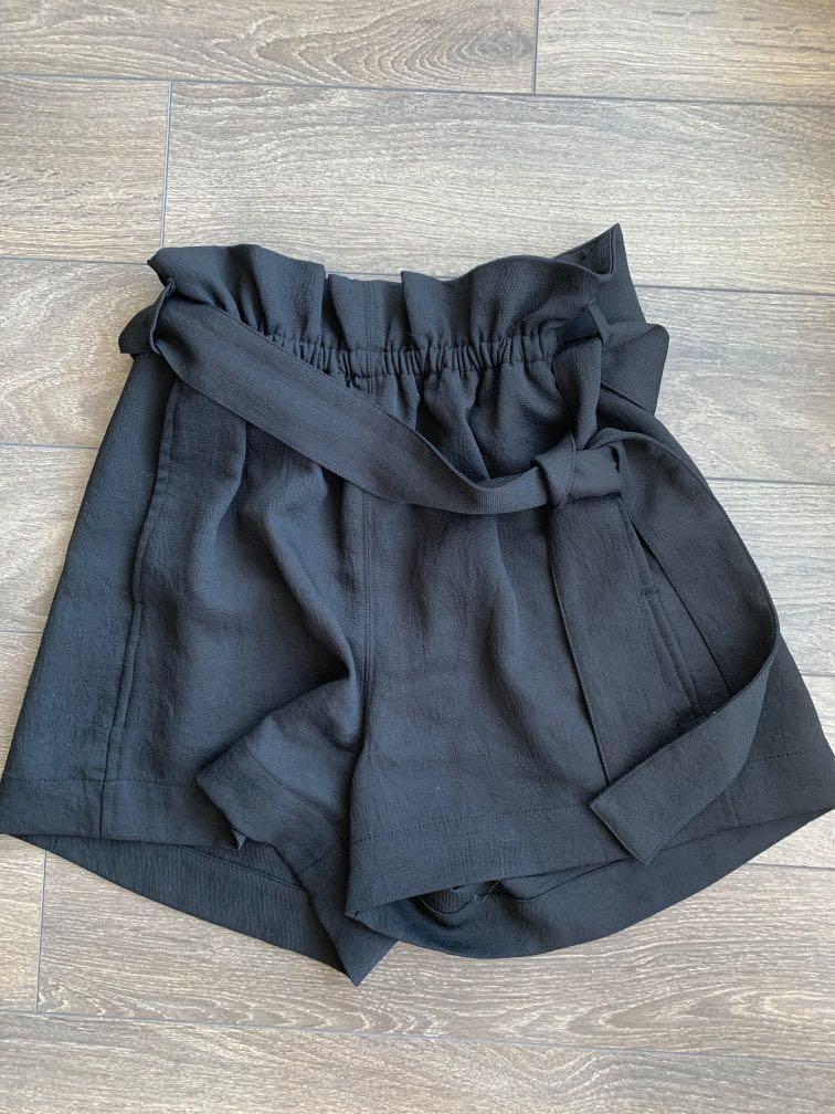 WILFRED Front Wrap Shorts