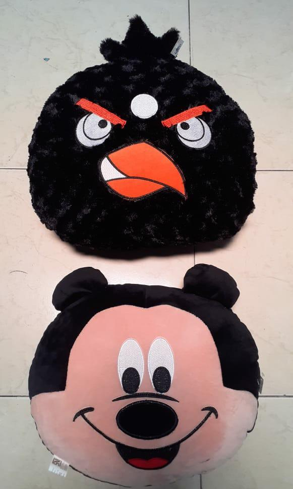 Bantal mickey