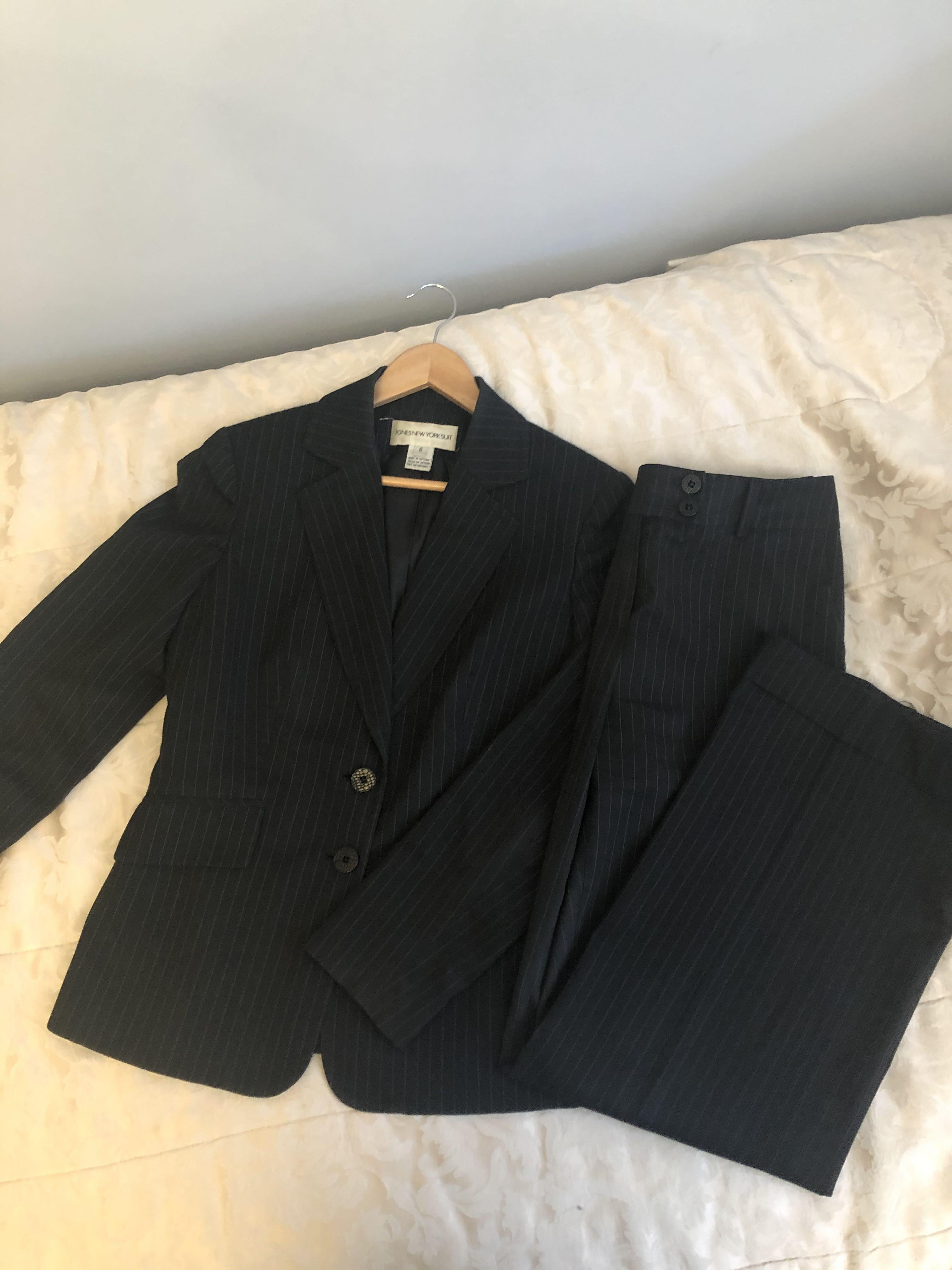 2 piece jones New York pant suit