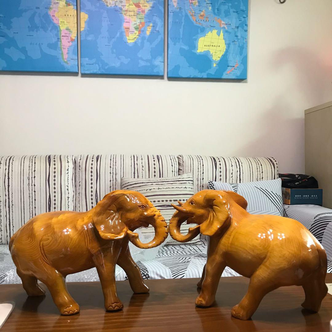 一組大象木雕