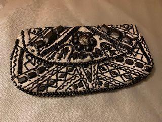 英國品牌 細緻縫珠手拿包