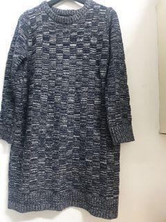 東區小品 藍色格子 長版 厚針織上衣 瘦身版型