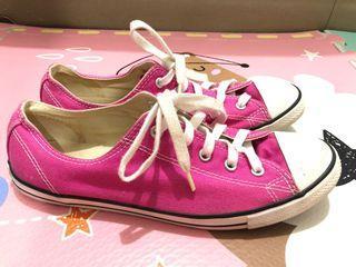 Converse pink shoes , Converse shoes , sepatu Converse , pink Converse , sepatu pink