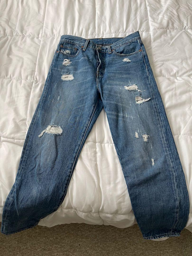 Levi's High Waisted Mom Jeans SIZE 28
