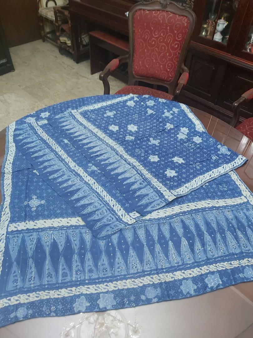 Satu set Kain Batik Tulis Sutra Antik